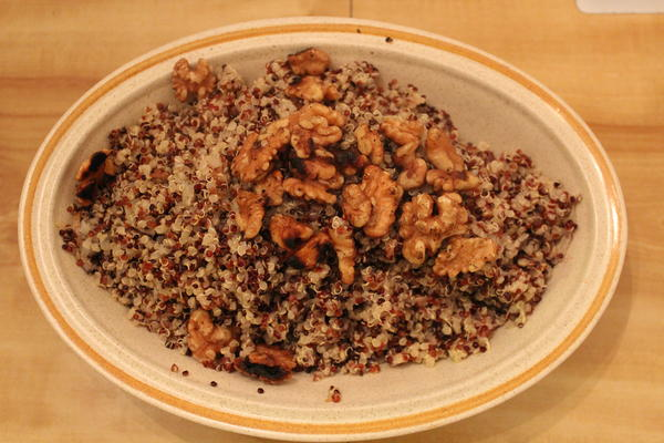 Quinoa with shallots and walnuts