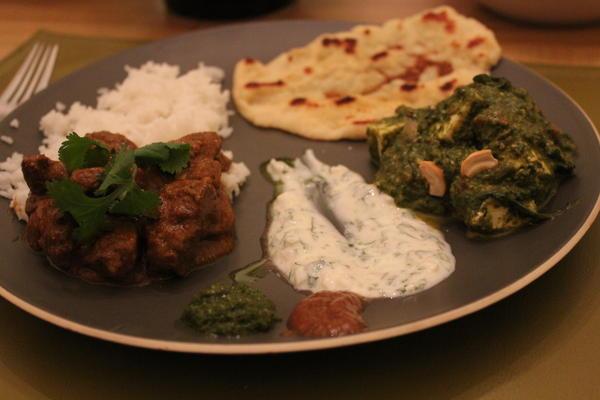 Vindaloo with Saag Paneer, rice, and naan