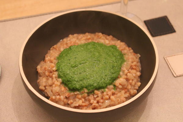 Barley risotto with spinach
